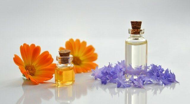 Anwendung ätherischer Öle für die Haut / Massage / Aromamassage